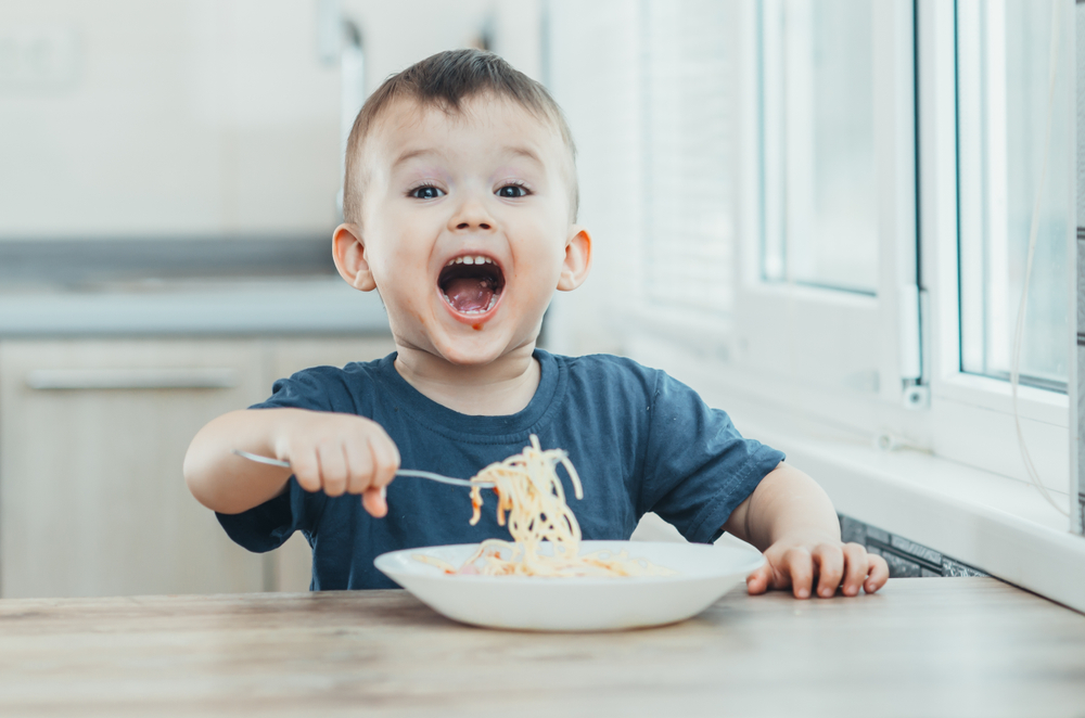 A Helpful Guide: Teaching Table Manners to Your Young Kids